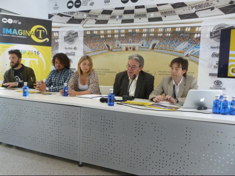 Representants de la TAP i ZERO Produccions van presentar ahir la programació del nou festival d'estiu Foto:MARINA MARTÍNEZ